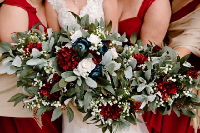 wood flowers wedding decor!
